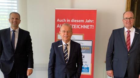 Bei der Bilanzpressekonferenz der Sparkasse Memmingen-Lindau-Mindelheim zeigte sich der Vorstand zufrieden. Unser Bild zeigt (von links): Vorstandsmitglied Bernd Fischer, Vorsitzender Thomas Munding und Vorstandsmitglied Harald Post.
