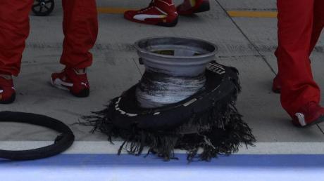 In Silverstone hielten viele Reifen der Belastung nicht Stand.