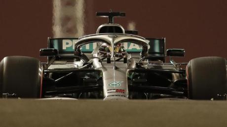 Formel-1-Weltmeister Lewis Hamilton beim Training in Abu Dhabi.