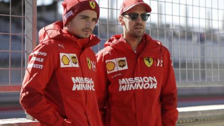 Die Saison 2020 wird zur Belastungsprobe bei Ferrari für die Teamkollegen und -konkurrenten Charles Leclerc (l) und Sebastian Vettel.