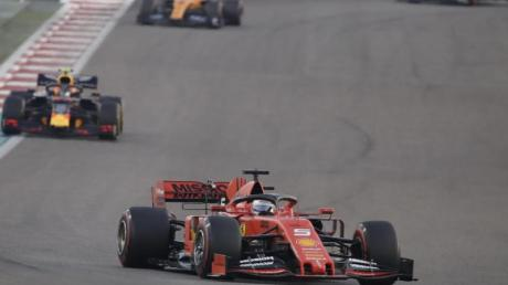 Das letzte Rennen der Saison bringt Sebastian Vettel nur Rang fünf.