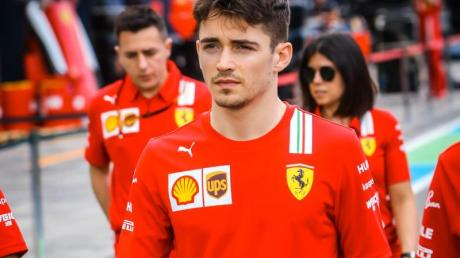 Formel-1-Pilot Charles Leclerc steht bei Ferrari unter Vertrag.
