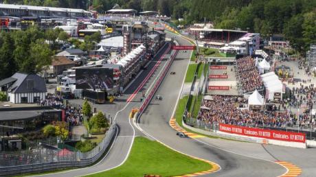Im August macht die Formel 1 in Belgien halt. Alle Infos rund um das Rennen in Spa-Francorchamps gibt es hier: Datum, Termine, Zeitplan, Übertragung im Live-TV, Uhrzeit und Strecke.