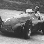 Der Italiener Giuseppe «Nino» Farina gewann das erste Formel-1-Rennen - er war schon 43 Jahre alt.