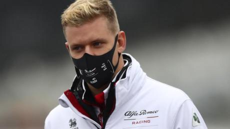 Mick Schumacher sollte im Alfa Romeo eigentlich das Auftakttraining bestreiten.