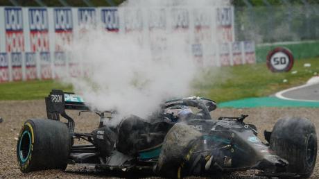 Der Rennwagen von Valtteri Bottas war nach dem Unfall mit George Russell nur noch Schrott.