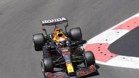 Red-Bull-Pilot Max Verstappen hatte beim Abschlusstraining in Baku einen Unfall.