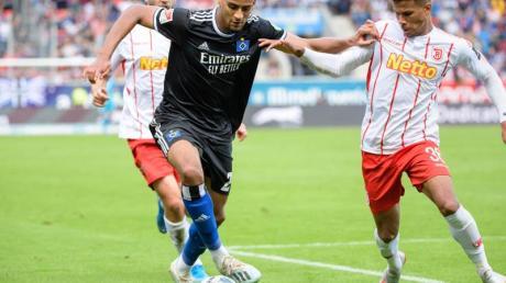 Josha Vagnoman (M.) wurde in den deutschen U21-Kader berufen.