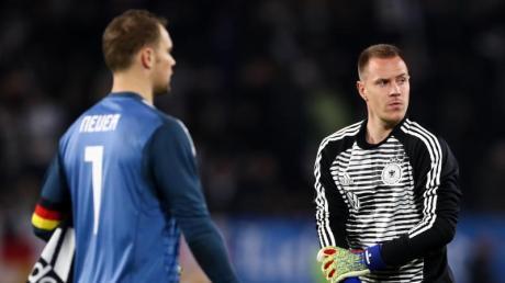 Der aktuelle Kader für die DFB-Elf steht fest. Am Mittwoch wird Marc-André ter Stegen (rechts) im Tor der Nationalmannschaft stehen.