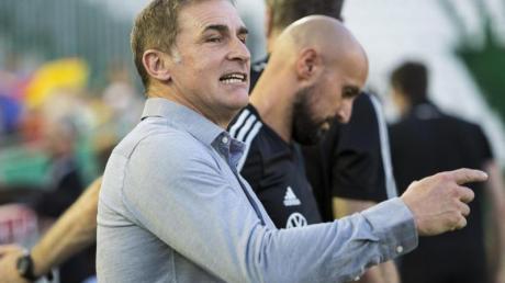 Hat das Aufgebot für das Spiel der deutschen U21 gegen Belgien nominiert: Trainer Stefan Kuntz. Foto: Daniel Gonzalez Acuna/dpa