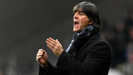 Das Auftreten der Nationalspieler gegen Nordirland hat Bundestrainer Joachim Löw gut gefallen. Foto: Tom Weller/dpa