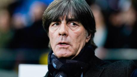 Erst am 30. November wird Bundestrainer Joachim Löw alle deutschen EM-Gegner kennen. Foto: Uwe Anspach/dpa