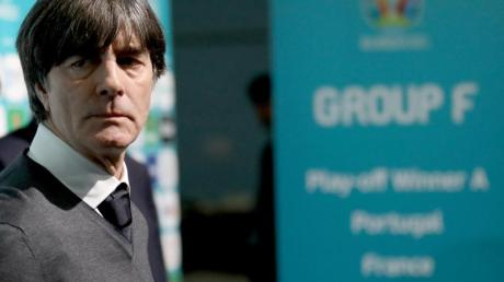 Hat bei der EM mit dem DFB-Team dicke Brocken vor der Brust: Bundestrainer Joachim Löw.