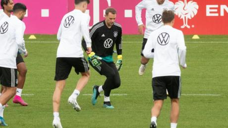 Die deutsche Nationalmannschaft hat im Zuge der Coronavirus-Pandemie mehr als zwei Millionen Euro für soziale Zwecke gespendet.
