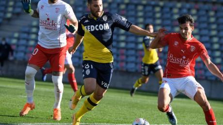 Kevin Volland (M.) spielt für die AS Monaco.