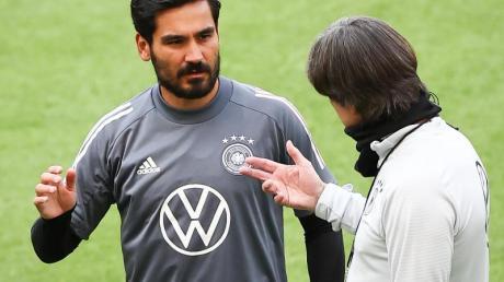 Bundestrainer Joachim Löw  kann auch auf die Profis aus England wie Ilkay Gündogan zurückgreifen.