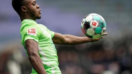 Ridle Baku spielt in der Bundesliga für den VfL Wolfsburg.