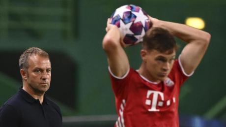 Hätte seinen Noch-Bayern-Coach Hans-Dieter Flick (l) gerne als Nachfolger von Joachim Löw beim DFB: Joshua Kimmich.
