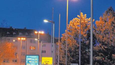 Copy of straßenbeleuchtung_LED_gänstorbrücke1_23feb11.tif