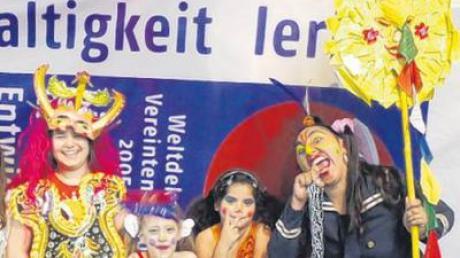 Die Westentasche beim Gruppenbild mit theaterbegeisterten Kids.