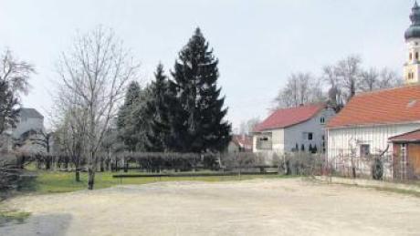 Auf diesem Areal zwischen Römerweg und Hauptstraße könnte nach Einschätzung von Planern bereits 2012 eine Pflegeeinrichtung für Senioren entstehen.