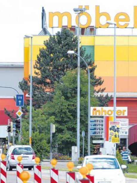 Wirtschaft Wer Wird Der Größte Im Möbel Land Nachrichten Neu Ulm