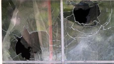 In Offingen ist ein Fenster eingeschlagen worden.