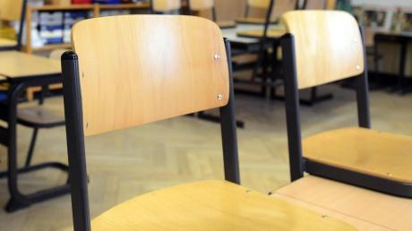 Leer wie diese Stühle blieben am Dienstagabend auch die im Blindheimer Rathaus.