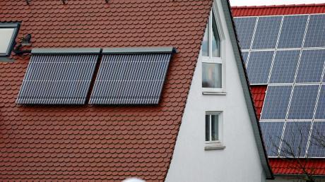Besitzer von Photovoltaik-Anlagen brauchen im Normalfall keine Angst vor Hagelschaden haben.