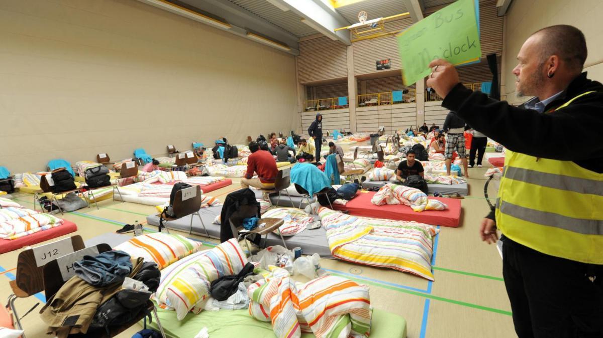 pfuhl bettenlager statt bodenturnen nachrichten neu ulm augsburger allgemeine. Black Bedroom Furniture Sets. Home Design Ideas