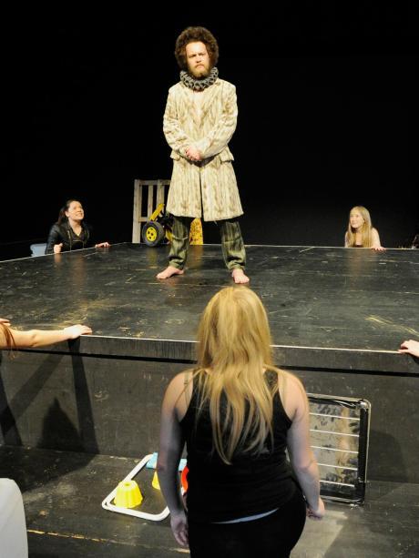 Podium Shakespeare Für Den Zauberer Nachrichten Neu Ulm