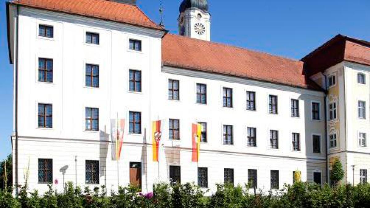 roggenburg verein der klosterfreunde mit neuer f hrungsspitze nachrichten neu ulm. Black Bedroom Furniture Sets. Home Design Ideas