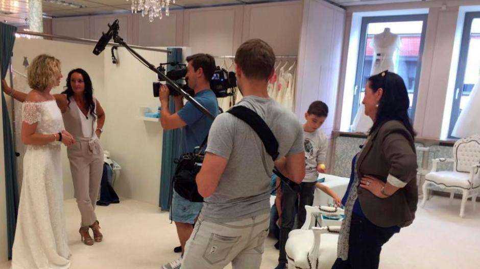 Nersingen Nersingerin Sucht Fur Tv Show Das Kleid Des Lebens