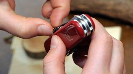 Ein Ladendieb hat sein Taschenmesser in Offingen gezückt.