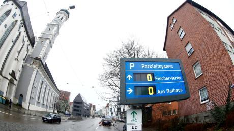 Die reduzierten Tagespreise gelten unter anderem in den Parkhäuser Fischerviertel und Am Rathaus.