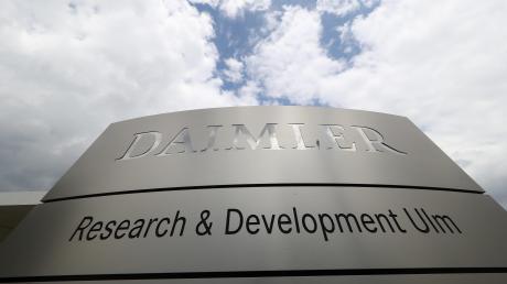 Geforscht wird hier bald nicht mehr: Vergangenes Jahr wurde der Belegschaft ohne Vorankündigung und ohne nähere Begründung der Beschluss des Daimler-Vorstands bekannt gegeben, dass das Forschungszentrum in Ulm geschlossen und verlagert werden soll.