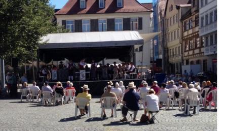 Die Kadeltshofer Musiker mussten für ihr Paradekonzert auf eine andere Bühne ausweichen.