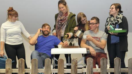 Die Schauspielgruppe aus Kadeltshofen ist ein eingespieltes Team. In der diesjährigen Saison tritt sie erstmals in Steinheim auf.
