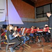 Anfängergruppe mit Dirigent Bernhard Ott - Kopieren.jpg
