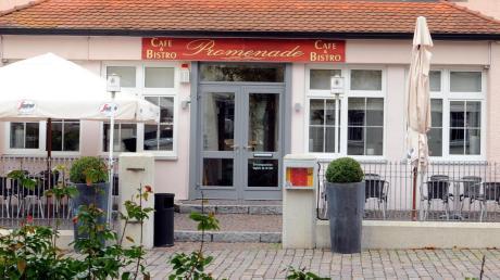 Das Café Promenade in Weißenhorn hat viele Stammgäste. Seit Mittwoch hat es auch einen neuen Besitzer. Jetzt hofft die Wirtin, dass alles so bleiben kann wie bisher.