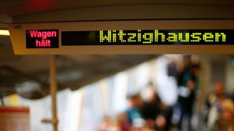 Zwischen Witzighausen und Senden hat ein Regionalzug in der Nacht auf Sonntag zwei Rinder erfasst.