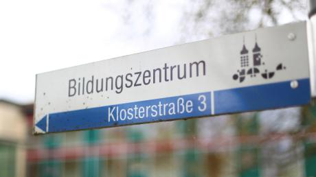 Die Finanzprobleme des Roggenburger Bildungszentrums sind vorerst gelöst. Pater Roman Löschinger erklärt, warum die Einrichtung so wichtig für den Landkreis ist.