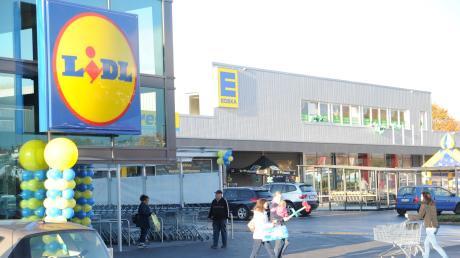 Sechs Jahre hat es gedauert, bis das Real-Areal in Oberelchingen wieder zum Leben erwacht ist: Ende Oktober eröffnete ein Einkaufszentrum mit zwei Supermärkten, Fitnessstudio und Drogerie. Das freut auch die CSU Elchingen.