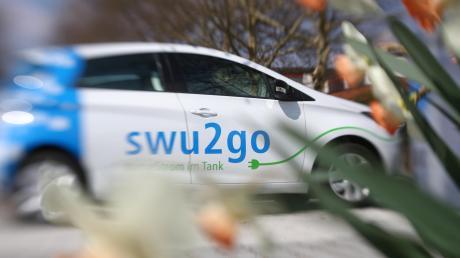 Die Stadtwerke Ulm/Neu-Ulm (SWU) bauen ihr Carsharing-Angebot in der Region aus. Seit Kurzem steht in Illertissen an der Schranne ein Elektroauto zum Ausleihen bereit, als weitere Standorte folgen unter anderem Vöhringen und Gerlenhofen.