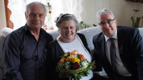 Glückwünsche an Marianne und Adolf Heiler überbrachte OB Gerold Noerenberg (rechts).