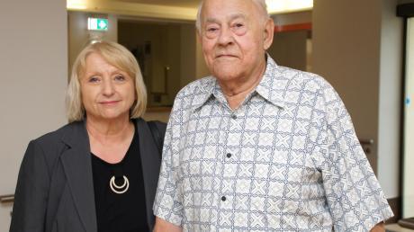 Rosl Schäufele gratulierte Felix Duchon zum 60. Hochzeitstag. Seine Frau war bei dem Besuch gesundheitsbedingt nicht anwesend.