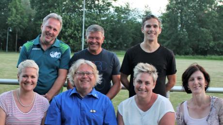 Der Vorstand des Nersinger Sportvereins: (hinten von links) Heinz Mach (Jugendleiter), Peter Schempf (stellvertreternder Vorsitzender), Daniel Firmenich (Kassierer) sowie (vorne von links) Heike Engelmann-Frank (stellvertretende Kassiererin), Vorsitzender Ralph Hamann, Daniela Frank (dritte Vorsitzende) und Marion Förg-Winter (Schriftführerin).