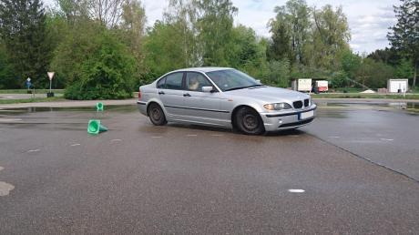 Auf dem Verkehrsübungsplatz in Neu-Ulm gibt es für Fahranfänger spezielle Sicherheitstrainings.