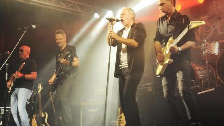 """Nach 35 Jahren Bühnenabstinenz zeigten Gravestone bei """"Rock in Zell"""", dass sie nichts verlernt haben."""