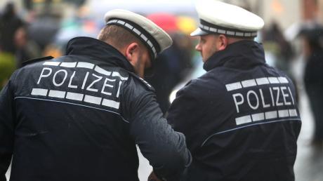 In Bayern haben rund 4400 Polizisten einen Nebenjob. Viele von ihnen sind junge Beamte kurz nach der Ausbildung.
